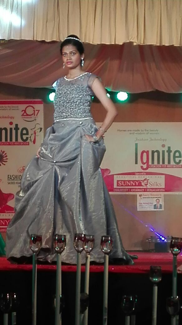 Offerbun Com Fashion Point Fashion Technology Institute In Chalakudy